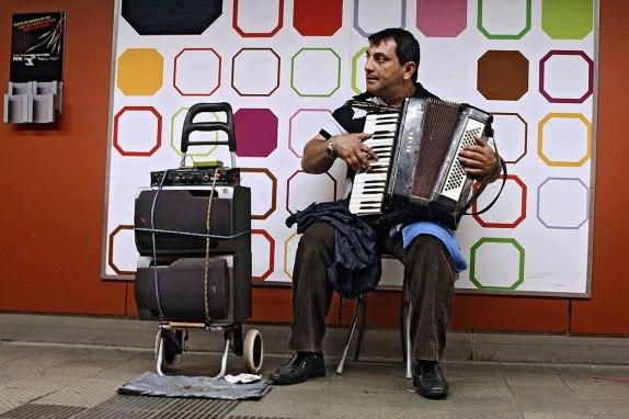 Roma musician in Barcelona, 2010.