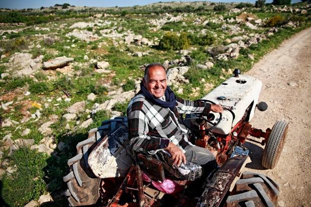 c0c92-palestinejayyus-abuazzam-kukkaranta