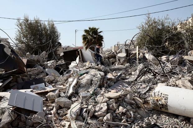 10.2.2014-WadiQadom-HouseDemolition-traumatizedSon2-K.Ranta-web