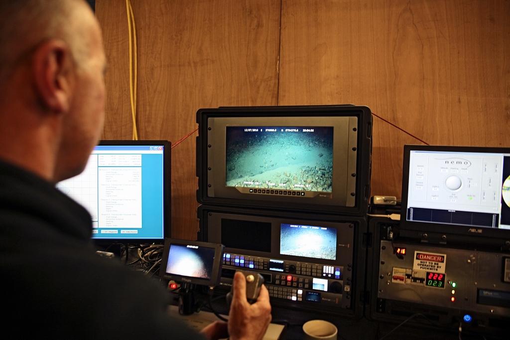Merenpohjatutkimuksia-troolinjälkiä2-KukkaRanta-web