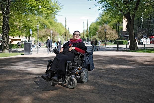 Yhdenvertaisuus-VammaisfooruminPääsihteeri-Pirkko Mahlamäki-vaaka-KukkaRanta-web.jpg